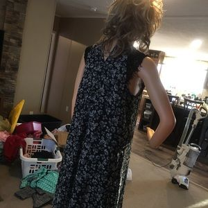 Maunres Size small women's dress black and white